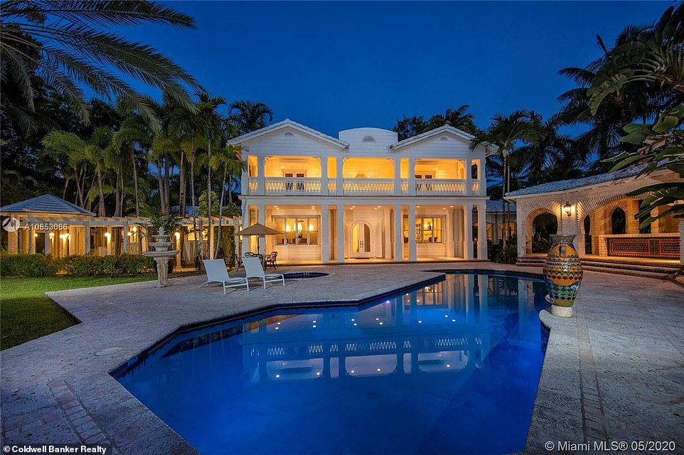 Wow:Gloria and Emilio Estefan sold their Miami mansion for a profit of $33.16 million, three decades after purchasing the property. They purchased the home in 1993 for $1.84 million and sold it last week for an astounding $35 million, according to TMZ